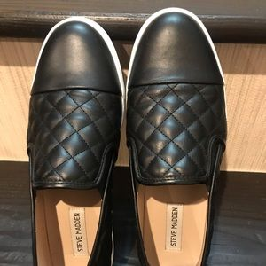 Steve Madden black quilted slipon sneakers size 10